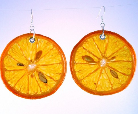 Ciekawe kolczyki w kształcie owoców
